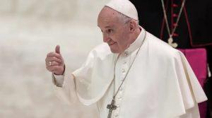 Papa: El valor de la persona no depende del éxito ni del dinero que tiene