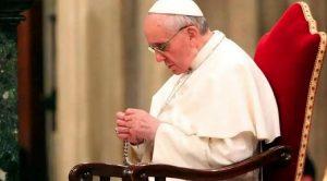La oración oxigena la vida, no se puede ser cristiano sin rezar, dice el Papa