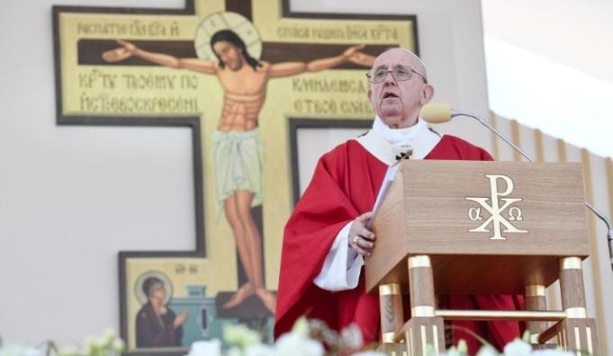 Papa: Un cristianismo sin cruz se vuelve estéril