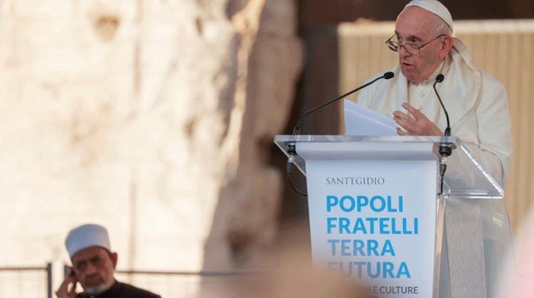 """El Papa pide """"menos armas y más comida"""" en un mundo indiferente ante la guerra"""