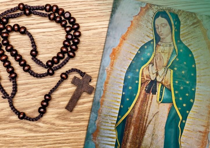 Rosario a la Virgen de Guadalupe hoy que se cumplen 126 años de la coronación pontificia de su imagen